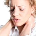 14 Remedios caseros para el tratamiento rígido cuello rápidamente