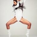 """Ciara azota el pelo hacia atrás y hacia adelante para mostrar el futuro lo que se pierde en """"Apuesto '"""