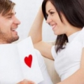 8 razones poderosamente convincente de coquetear más con su pareja