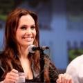 Cirugía de la prevención del cáncer de Angelina Jolie ayuda a taylor swift después angie diagnosis- de mamá animó ganador grammy para practicar la atención sanitaria proactiva