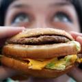 Coma más alimentos chatarra, hacen más pequeños del cerebro
