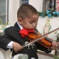 He aquí por qué es bueno dejar que los niños juegan música