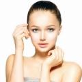 Remedios caseros para la piel brillante (con mascarillas para la piel que brilla intensamente)