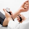 Cómo bajar la presión sanguínea rápida (naturalmente y rápidamente)