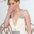 Jennifer Lawrence novio: Príncipe Harry no pudo desmayarse estrella 'juegos del hambre'? Jlaw rechazó la oferta del príncipe!