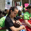 La lactancia materna ayuda a los bebés a crecer física y emocionalmente