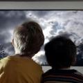Viendo la televisión puede aumentar la presión arterial alta infancia