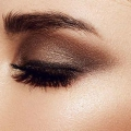 10 Smokey Eye Make Up errores que debe evitar