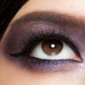 10 pasos para perfeccionar el Asia Smokey Mirada del ojo