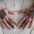 15 mejores diseños mehndi arábigos para las manos