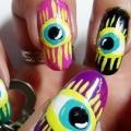 2 extraños diseños de uñas de arte que usted puede intentar hoy