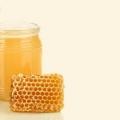 6 ventajas asombrosas de la miel para el crecimiento del pelo