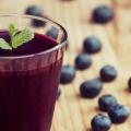 8 Beneficios para la salud sorprendentes de jugo de arándano