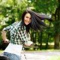 Cómo cuidar el cabello seco en verano