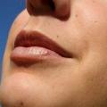 Cómo deshacerse del vello en la barbilla / bajo la barbilla de forma natural