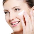 ¿Cómo conseguir la piel que brilla intensamente con remedios caseros naturales