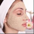 Multani mitti beneficios para la cara, la piel y el pelo