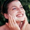 Exfoliantes faciales caseras para piel grasa