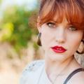 La Guía de maquillaje definitiva para los ojos verdes y cabello castaño