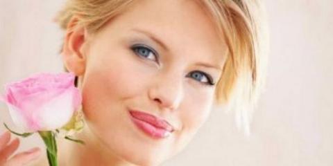 10 consejos y trucos de maquillaje para rubias que le harán una bomba