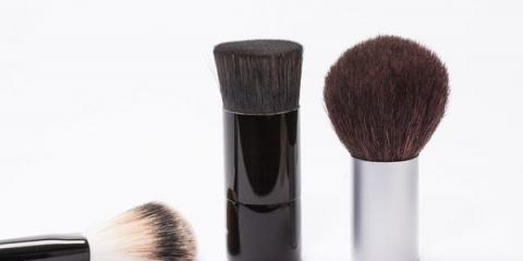 Las bacterias que se esconden en los pinceles de maquillaje pueden causar acné