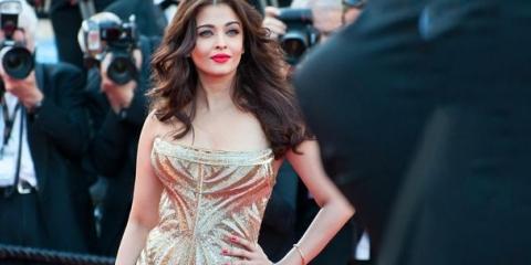 2 Mejores Ideas de maquillaje para su vestido de oro