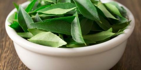Beneficios para la salud increíble de comer hojas de curry en la dieta